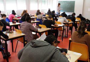 salle d'examen, salle de cours